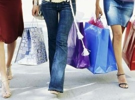 Retailers facing reduced shopper numbers - Image